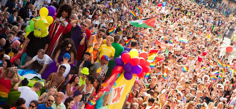 Stockholm Pride takes place in the height of the Summer Season in August attracting more than 600,000 people. THe event includes an colourful parade with more than 150 different groups, a party in the park, dance parties and more!Pride Parade