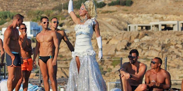 Gay shows in Mykonos