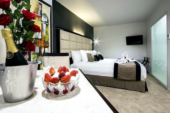 VVR Queen Street Hotel & Suites