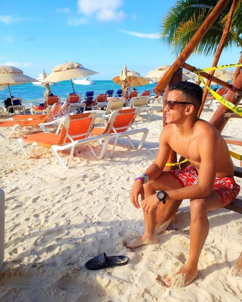 Isla Mujeres Gay Guide
