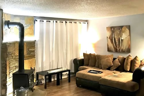 Epic Location Apartment in Mammoth Lakes