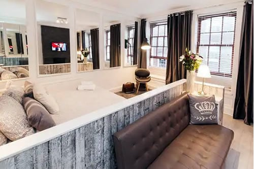 Large Soho Apartment in London