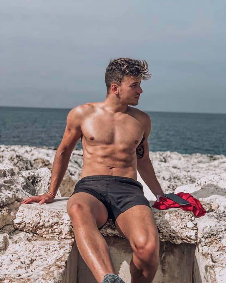 pembroke beach malta