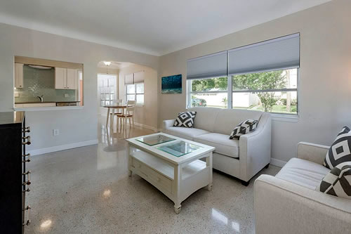 central location Apartment in St Pete