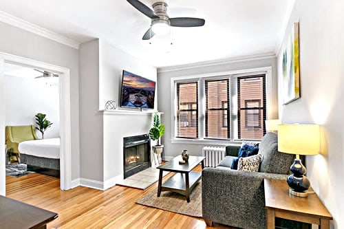 Outstanding Location apartment Chicago