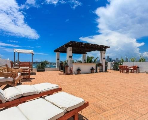 Villa Riza Miami
