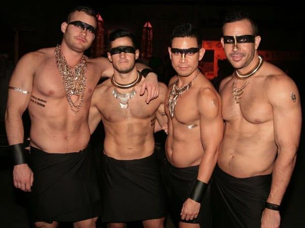 Гей-вечеринка в Новом Орлеане на Хэллоуин